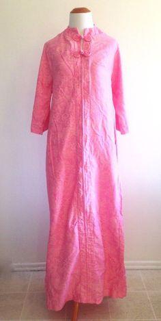 05ddf00a5f Vintage Asian Dragons Pink Housecoat Robe Kaftan Maxi Long Evelyn Pearson  Women