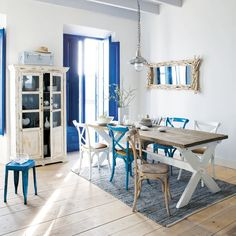 French Style Sea Decor from Maison du Monde. Love the blue, white, and browns. Rustic Cottage, Coastal Cottage, Coastal Homes, Cottage Style, Coastal Decor, Swedish Cottage, Seaside Decor, White Cottage, Cottages By The Sea