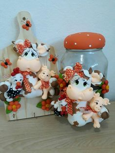 Cute Polymer Clay, Polymer Clay Dolls, Polymer Clay Projects, Clay Crafts, Diy And Crafts, Decoupage Jars, Cow Decor, Clay Jar, Clay Design