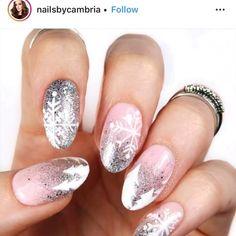 Hair and beauty nail art tutorial christmas tree nail art, diy christmas na Nail Designs Easy Diy, Nail Art Designs, Nails Design, Trendy Nail Art, Nail Art Diy, Diy Art, Beauty Hacks Nails, Nail Art Videos, Design Blog