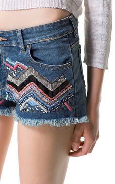 Image 5 of EMBROIDERED DENIM SHORTS from Zara
