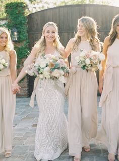 Taupe bridesmaids | Photography: Sposto Photography
