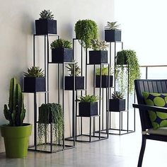 Quadrant Plant Stand with Four Planters (C). Green Indoor plants Tropical Boho Bohemian Relax Nature Hippy Bold Paint Styling Interior Design Home Botanical Interior Plants, Interior Design, Patio Interior, Room Interior, Herb Garden Design, Garden Ideas, Decoration Plante, Diy Plant Stand, Plant Stands
