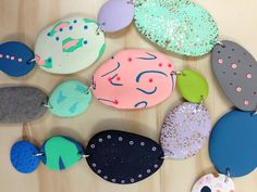 idea- carry that wieght neckalce made of painted stones - Projects | Emily Green - crazy bead styles