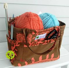 Organizing Tote Bag - Free Sewing Tutorial by 2 Little Hooligans