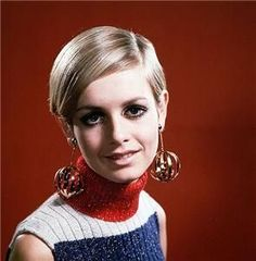 Twiggy, the face of the . ( o rosto dos anos 60 ) Mod Fashion, 1960s Fashion, Vintage Fashion, Fashion Brands, The Face, Mary Quant, Estilo Twiggy, 1960s Hair, Androgynous Look