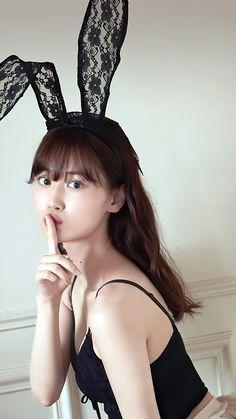 Beautiful Japanese Girl, Beautiful Girl Indian, Japanese Beauty, Asian Beauty, Cute Cafe, Pretty Asian, Foto Pose, Japan Girl, Girl Poses