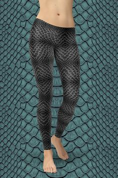 Dare to be you! The new Black Mamba Leggings are squat-proof, non see-through and super comfortable to wear. Handmade quality you can feel! Gym Leggings, Tight Leggings, Black Mamba, Sport Outfits, Activewear, Hug, Looks Great, Tights, Just For You