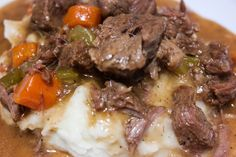 You'll love making this beef bourguignon crockpot recipe. Preparing the recipe in a slow cooker/crock pot makes this an extremely easy recipe, but it you'll fall in love with the flavors. Beef Bourguignonne, Crockpot Dishes, Crockpot Recipes, Guinness Beef Stew, Best Comfort Food, Irish Recipes, Pot Roast, Entrees, Carne Asada
