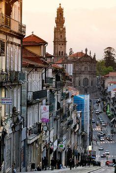 1732-1779 | Igreja e Torre dos Clérigos, Porto, Portugal | Nicolau Nasoni