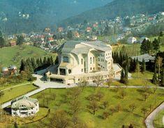 Het Goetheanum en de omgeving, op de voorgrond Haus Duldeck