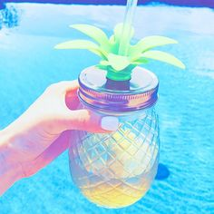 When you actually own that pineapple cup. Summer Vibes, Summer Fun, Pineapple Cup, Cute Water Bottles, Cute Cups, Oeuvre D'art, Girly Things, Summertime, Random