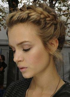Pretty Bridesmaid hair