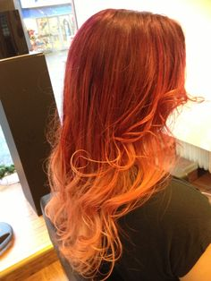 My new #hair! Made by Marie at Englunds och Åkermans Bollnäs #Sweden #petrawerner #red #redhair #sweet #princess #redhead #ombre #dipdye #curly #curls #fab #happy