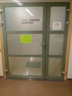 Paloturvalliset ja leveät ovet mahtuu isompikii immmeinen kulukemaan. Ovet, Lockers, Locker Storage, Cabinet, Furniture, Home Decor, Clothes Stand, Decoration Home, Room Decor
