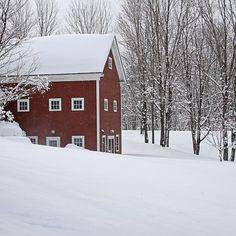 Current conditions at @riversidefarm our beautiful venue for Farm to Fork Fondo - Vermont. First class weekend packages with elegant on-site lodging in their beautifully restored barns available at FarmForkFondo.com #farmforkfondo #vermont #farmtotable #rustic #inn #cycling #granfondo #vip by wrenegadesports
