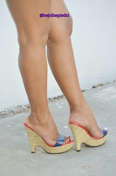 Sexy Legs And Heels, Hot High Heels, Platform High Heels, Wedge Heels, Stiletto Heels, Beautiful High Heels, Gorgeous Feet, Diy Kleidung, Sexy Sandals