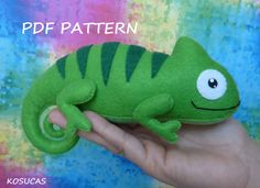 PDF sewing pattern to make a felt chameleon, inches tall. It is not a finished doll. Includes tutorial with pictures and step by step explanation. Sewing Stuffed Animals, Stuffed Animal Patterns, Chameleon Pet, Sewing Crafts, Sewing Projects, Baby Alive Dolls, Clothespin Dolls, Crochet Bunny, Felt Toys