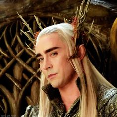 """On this blog we worship Thranduil""--- on this too☺"