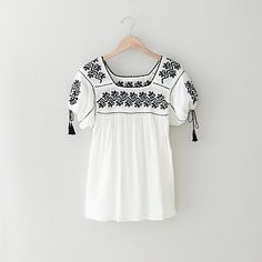 Ulla Johnson alexa blouse. Reminds me of the blouses in Matisse's paintings.
