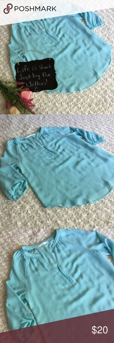 "Stitchfix Fun2Fun sky blue blouse Beautiful sky blue blouse by Fun2Fun sold by Stitchfix. Size S. 19"" arm pit to arm pit. 25.5"" length. Fun2Fun Tops Blouses"