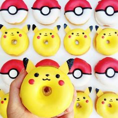All donuts should be cute. Agree or disagree?  Now let's go catch some more Pokémon! (: @vickiee_yo)