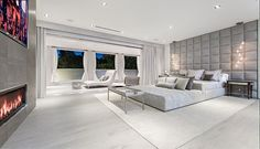 Stunning and brilliantly executed modern estate situated in the best location of Beverly Hills, CA, just behind the Beverly Hills Hotel is this sq ft home with designer interior furniture such as this master bedroom suite. Dream Master Bedroom, Master Bedroom Design, Home Decor Bedroom, Modern Bedroom, Bedroom Décor, Bed Room, Bedroom Ideas, Mansion Bedroom, Mansion Interior
