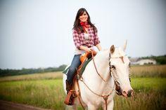 Horse training tips - introducing the saddle.