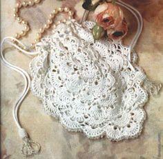 Crochet Purses Design Cute purse for women, free crochet pattern by ernestine Beau Crochet, Crochet Tote, Crochet Handbags, Crochet Purses, Thread Crochet, Knit Or Crochet, Crochet Purse Patterns, Crochet Motifs, Confection Au Crochet