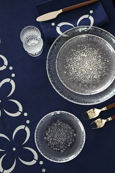 DIY Stenciled Fabric Table Linens. Iittala Ultima Thule Plates and Vintage Teak Cutlery. Vintage Tablescape Inspiration.