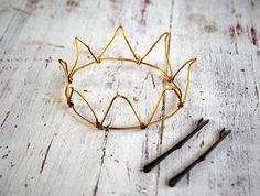 ADORABLE! Cute idea for a birthday! Or...just a Thursday.... Wire Crown by WireDreams on Etsy, $12.00
