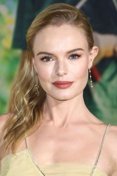 BAZAAR's beauty expert reveals the tricks and must-have products behind the prettiest hair and makeup looks on the red carpet: Kate Bosworth with Spiced Pink Lipstick Natural Wedding Makeup, Natural Makeup Looks, Make Up Looks, Beauty Secrets, Beauty Hacks, Beauty Tips, Chanel Makeup, Makeup Trends, Makeup Ideas