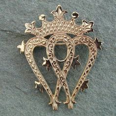 9ct Gold Luckenbooth Brooch