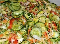 Sałatka na zimę z kapustą i ogórkami - wielowarzywna - przepis ze Smaker.pl Winter Salad, Cabbage Salad, Vegetable Recipes, Pickles, Cucumber, Zucchini, Vegetables, Food, Women