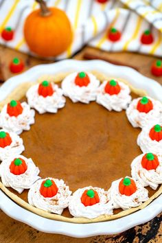 Classic Pumpkin Pie recipe with a homemade buttery crust, is easy and full of fall flavors that your guests will surely appreciate! Canned Pumpkin Pie Filling, Homemade Pumpkin Pie, Pumpkin Pie Recipes, Pumpkin Puree, Classic Pumpkin Pie Recipe, Cream Candy, Holiday Pies, Food Processor Recipes, Sweet Potato