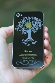 Great tree design on an iPhone4 - Laser Engraved iPhone4 | Flickr - Photo Sharing!