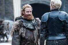 Uh-oh, he found her!   Tormund Giantsbane (Kristofer Hivju) and  Brienne (Gwendoline Christie) | Game of Thrones - Season 7