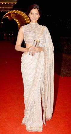 18 trendy Ideas for wedding reception indian outfit Saree Designs Party Wear, Saree Blouse Designs, Lehenga Designs, Bollywood Wedding, Saree Wedding, Wedding Dresses, Indian Dresses, Indian Outfits, Look Fashion