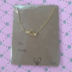 Gold necklace It's brand new super cute and still in the packaging   PLEASENO TRADE OR PAYPAL I will not respond to comment offers . Thank you  WINDSOR Jewelry Necklaces