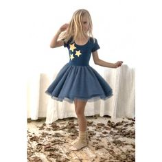 The autumn/winter collection of this lovely Swedish brand, Anive for the Minors, is called The Wizard Collection and there really is something magical about the Wizard dress.It manages to combine comfort and practicality with a really special feel. Love the colour, love the stars. Sizes 1-5 years at www.smallfolkrun.com