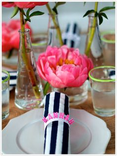 DIY pop up place cards that double as napkin rings