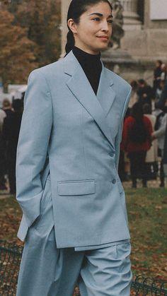 Best outfits of Paris Fashion Week street style 2019 day three PFW Photo by Jose J. Blazer Fashion, Suit Fashion, Fashion Outfits, Paris Fashion, Womens Fashion, Suits For Women, Women Wear, Clothes For Women, Looks Street Style