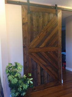 Pallets Barndoor | 1001 Pallets beautiful barn door