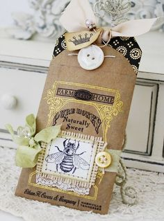 Queen Bee from lilybean's paperie - this blog makes me happy! I love everything she does and it inspires me to do better.