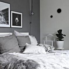 I feel so lazy today... Let's go into the bed... #linenobsession • • • #ilovemyinterior #scandinavianhome #scandinaviandesign #whiteinterior #bolig #boligpluss #deco #interior_and_living #interiør #interior123 #interior4inspo #skandinaviskehjem #instadaily #interiorwarrior #interiorforinspo #decoration #styling #simplicity #interiør #myhome #instahome #mynordicroom #finahem #nordicinspiration #interior #onlyinterior #putti123 #bobedre #norsuinteriorsh