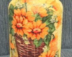 Vidro decorado com barbante e decoupagem