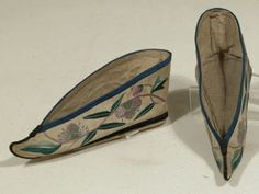 19-12-11  Shoes for bound feet, 1875 - 1925