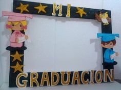 Marcos Porta Fotos Gigantes Graduacion - Bs. 7.000,00 Kindergarten Graduation, Graduation Day, Graduation Pictures, Diy And Crafts, Paper Crafts, Photo Booth Frame, Photo Booths, Class Decoration, Board Decoration