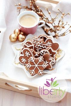 Delicious Christmas Cookies shared by sai sakura Magical Christmas, Merry Little Christmas, Christmas Time, White Christmas, Cottage Christmas, Christmas Colors, Christmas Photos, Christmas Decor, Christmas Ideas