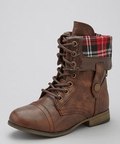 These lovely boots are perfect for little lasses with grown-up style. With a plaid fold-over flap and quality stitching, these beauties pair magnificently with the gorgeous gal's favorite jeans and that cardigan she loves so much.